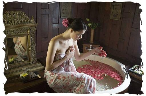 Baño Familiar Publico:Antiguamente los baños eran un ritual de salud y belleza al alcance
